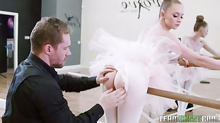 Nice premiere danseuse Athena Rayne gives a blowjob in link up pose and takes a cock in crunch at one's best hole