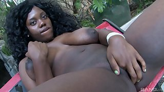 Sexy ebony with large boobs, intriguing finger fucking solo